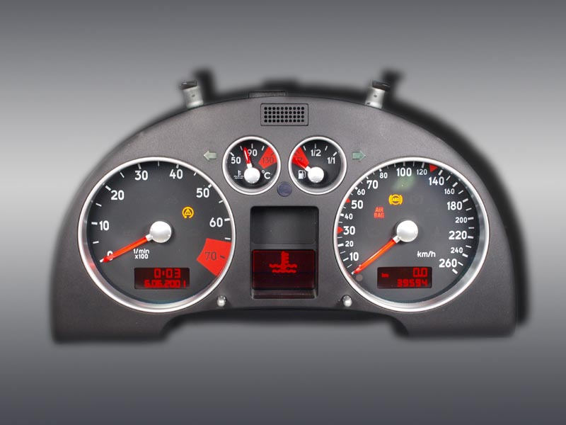 Audi-TT-8N-Kombiinstrument.jpg